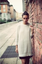 Zara sweater - Marc by Marc Jacobs shorts - Jhon Galliano heels