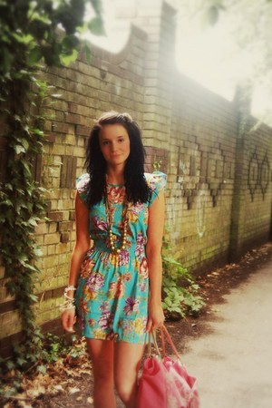 turquoise blue Love Struck dress - hot pink zandra rhodes bag