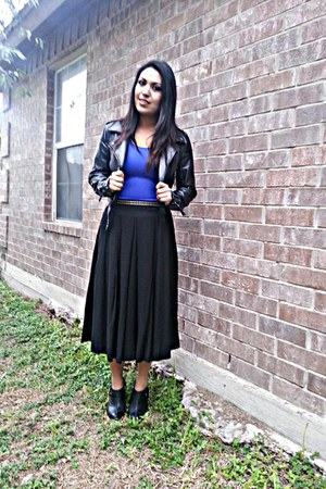 black DKNY skirt - Michael Kors boots - Express belt