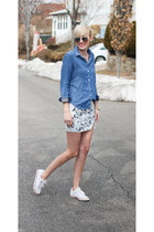 Zara skirt - Gap shirt - Guess sneakers