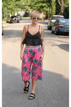 Topshop top - Zara shorts - H&M sunglasses - Zara sandals