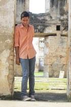 dark brown lac shoes - blue Levis jeans - carrot orange shirt