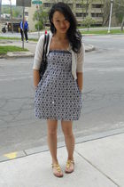 white moms closet cardigan - blue clothing swap dress - gold Steve Madden shoes