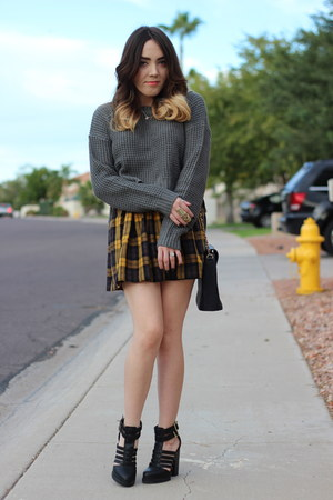 Forever 21 skirt - Forever 21 sweater - thrifted bag - PacSun heels