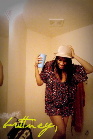 red Target dress - beige Forever 21ever hat