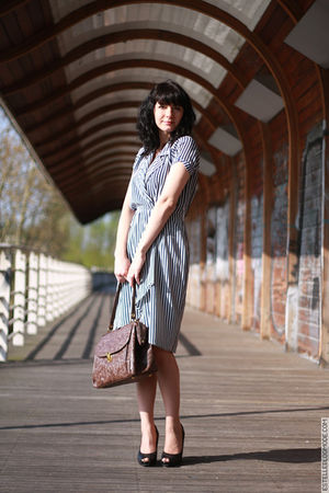 blue vintage dress - brown Urban Outfitters wallet - black ASH shoes