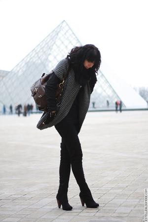 gray Version Originale cardigan - black La Redoute boots - black H&M necklace