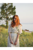 ivory lace vintage dress - snake-skin vintage belt