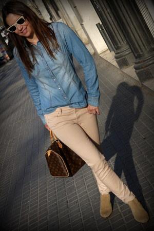 blue HyM blouse - camel pull&bear boots - light pink Zara jeans