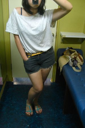 silver t-shirt - gray shorts - yellow belt - shoes - blue