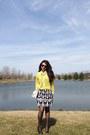 White-vintage-bag-forest-green-pumps-mustard-vintage-havana-blouse