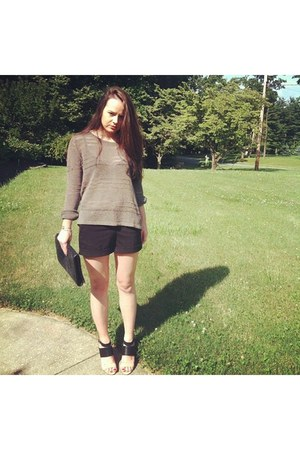 rag & bone sweater - H&M shorts - Elizabeth and James heels