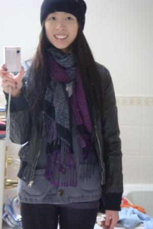 Uniqlo hat - Secondhand jacket - giordano scarf - propaganda sweater - H&M leggi
