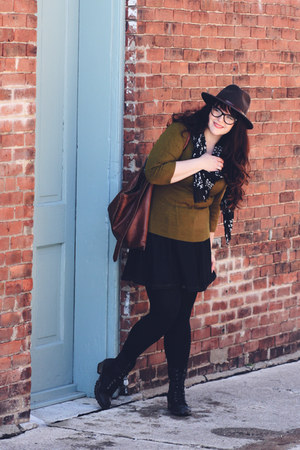 Shoedazzle boots - Stetson hat - Steve Madden scarf - Artisan bag