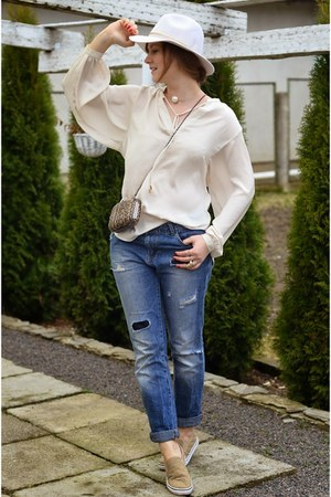 ivory H&M hat - light brown reserved bag - ivory H&M blouse