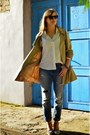Light-brown-cubus-coat-navy-stradivarius-jeans-heather-gray-h-m-bag