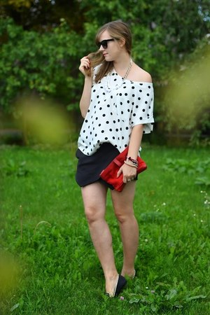 black Zara shorts - black Zara sunglasses