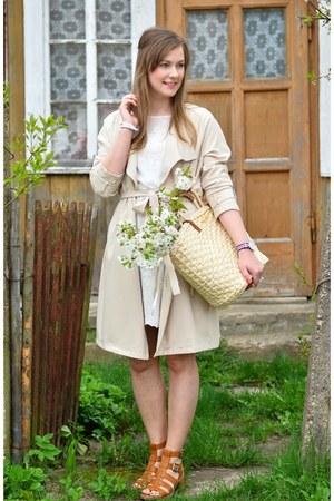 neutral Zara dress - neutral H&M coat - neutral Stradivarius bag