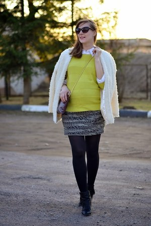 white PERSUNMALL jacket - yellow reserved sweater - maroon Zara bag