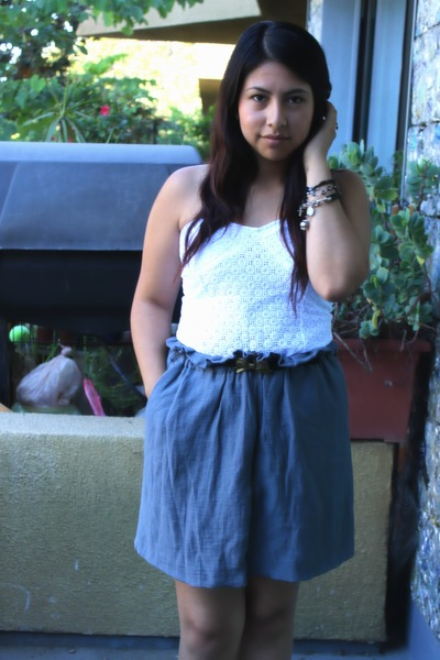 charcoal gray skirt - white top - black belt