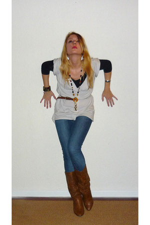 tawny Dolcis boots - blue jeans pieces leggings - brown vintage necklace - cream