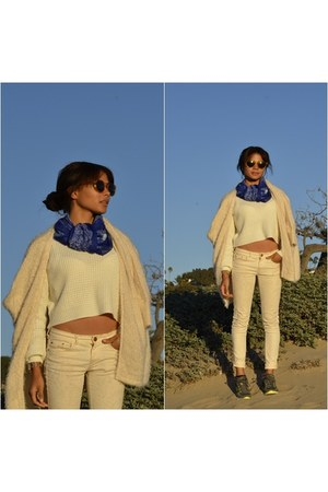classy Forever 21 coat - crop top trend Forever 21 sweater - acne scarf