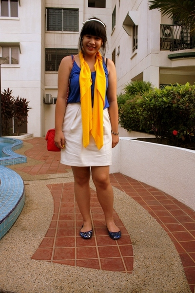 white Dorothy Perkins skirt - blue Vincci shoes - yellow DIY scarf