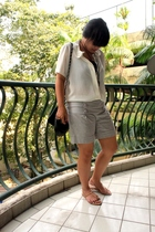 white Urbanscapes shirt - gray factory outlet store Bandung shorts