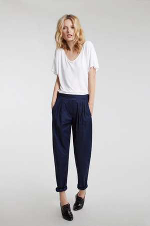 navy slouchy cotton Nate & Carly pants - white Nate & Carly t-shirt