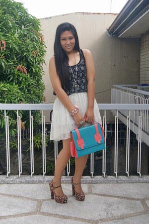bubble gum Forever 21 heels - white lace Cloisonne skirt