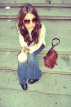blue 7forall mankind jeans - white vintage top - brown ROOTS purse