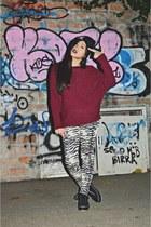 black Bazaar hat - crimson Bazaar sweater - white Bazaar leggings