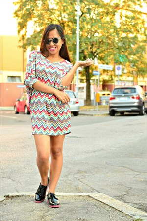 Soul Lifestyle dress - Terranova sunglasses - sole Primadonna flats