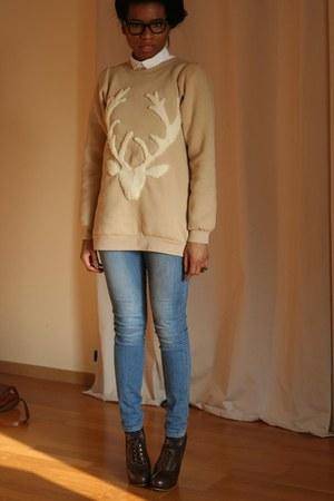H&M jeans - Violette Tannenbaum sweater - Chloe wedges