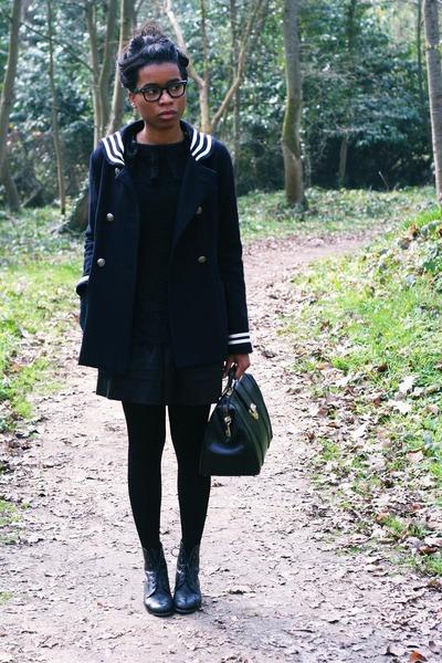 Topshop coat - vintage shoes - vintage bag - Violette Tannenbaum blouse