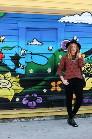 Forever 21 sweatshirt - Zara boots - Zara jeans - brandy melville hat
