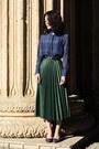 Navy-madewell-top-green-pleated-zara-skirt-purple-suede-vintage-heels