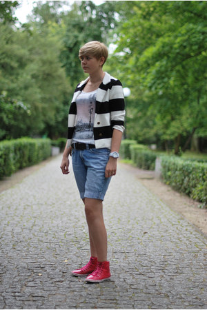 white H&amp;M blazer - sky blue Levis shorts - hot pink TK Maxx sneakers