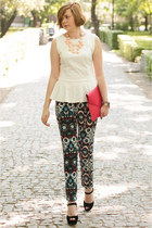cream Jestes Modna blouse - black sholove sandals - navy Zara pants