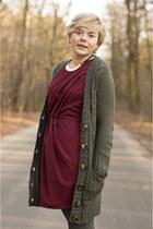 brick red AX Paris dress - heather gray Atmosphere cardigan