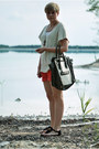 White-mizensa-bag-red-h-m-shorts-black-h-m-sandals