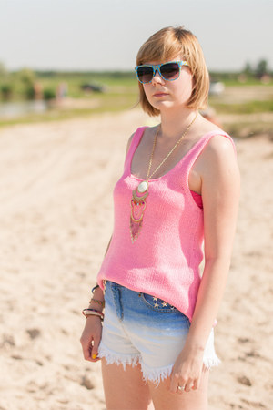 sky blue romwe shorts - hot pink new look vest - beige Cubus necklace