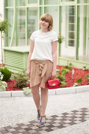 red OASAP bag - tan H&M skirt - white Sheinside blouse - navy sholove wedges