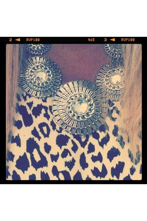 necklace - leopard print Forever21 blouse