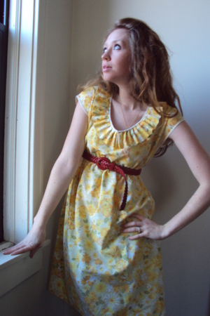 gold fancy clothing dress - red thrifted belt