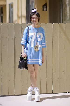 sky blue Topshop top - white YRU shoes - black Akira Chicago bag