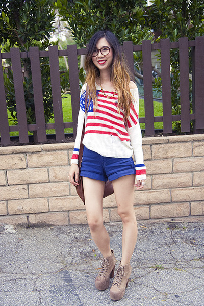 White-unif-sweater-brown-urban-outfitters-bag-blue-american-apparel-shorts_400