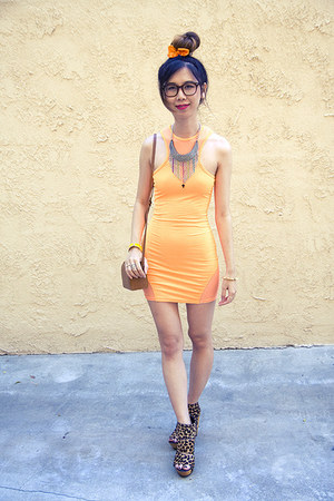 charcoal gray unknown accessories - orange MINKPINK x Nasty Gal dress