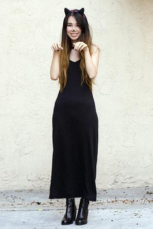 black Wasteland boots - black American Apparel dress - black H&M necklace