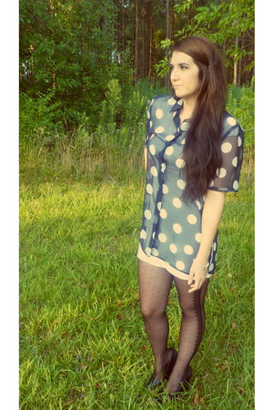 navy menswear thrifted vintage shirt - white t shirt Urban Outfitters dress